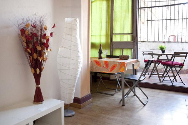 Salón soleado con terraza para compartir con amigos Tetuan Barcelona