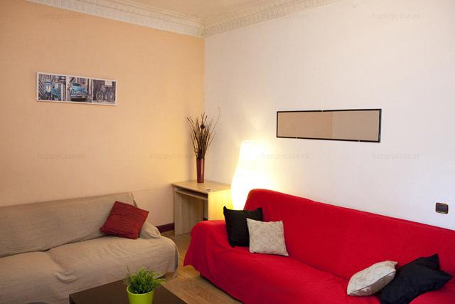 Gran salón ideal para convivir con estudiante en Barcelona