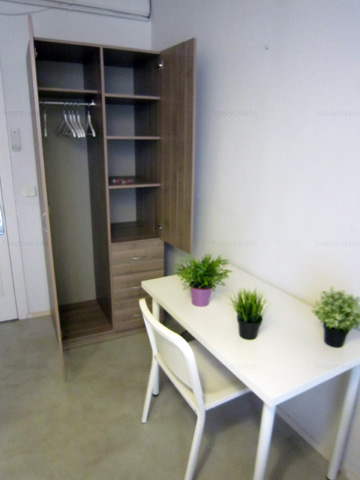 rooms to rent in shared flat barcelona Born