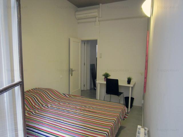 student bedroom barcelona El Born