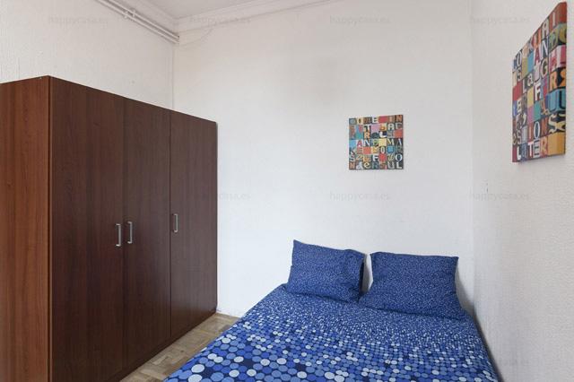 Alquiler de habitación luminosa con balcón en Barcelona