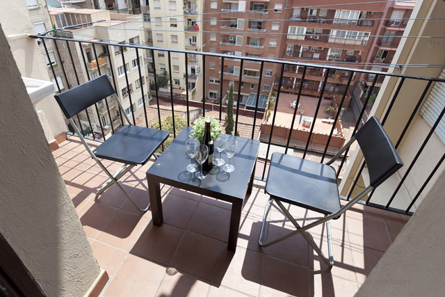 Alquilar cuarto en piso compartido con balcón L2 Monumental