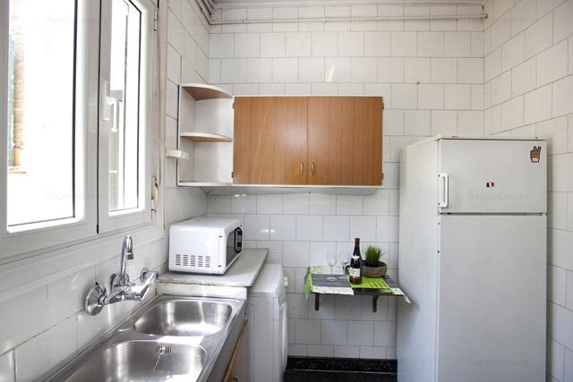 Apartamento compartido cocina Barcelona Monumental