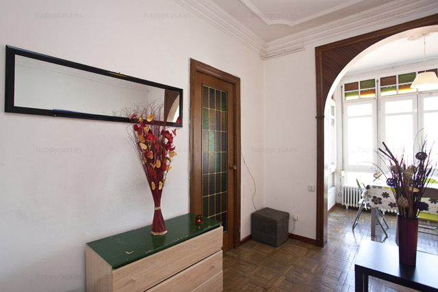 Busco piso compartido Barcelona con buen rollo salón