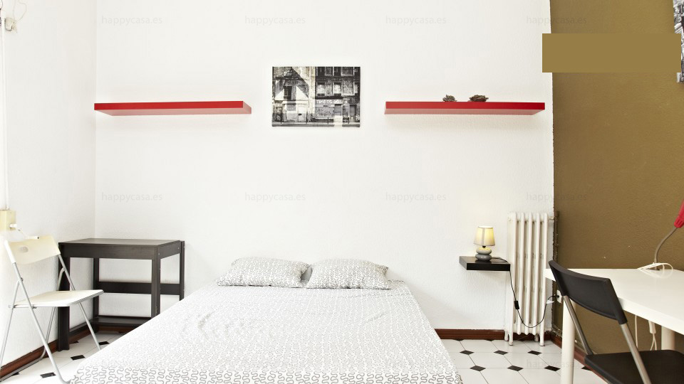 Chambre avec lit double étudiants erasmus Barcelone