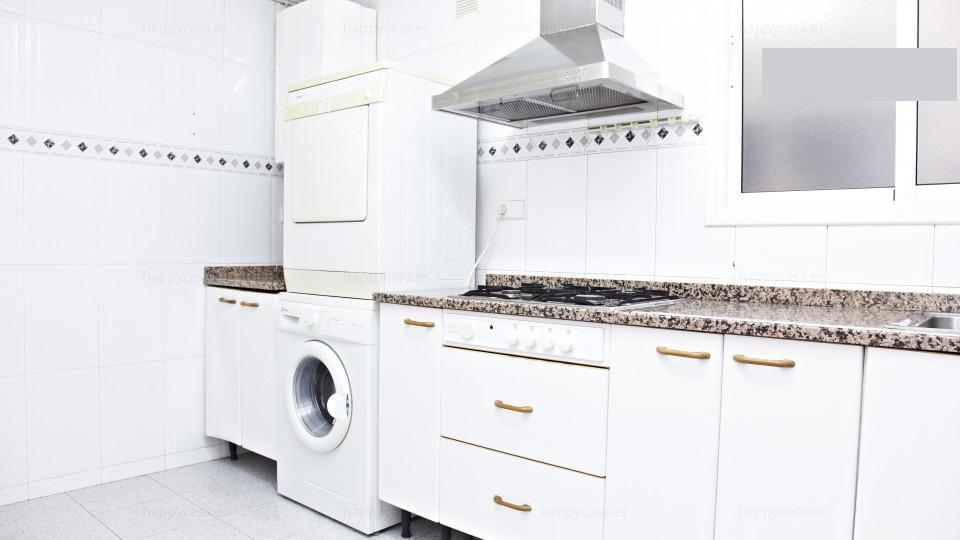 Alquileres habitaciones privada en piso con lavadora Barcelona