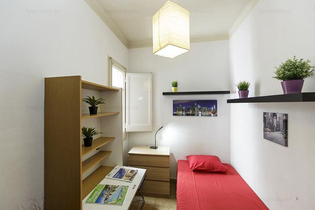 Residencia universitaria Barcelona con cama individual