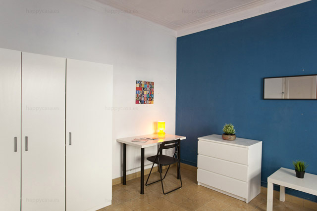 Piso de 6 habitaciones alquilar habitación en Barcelona Happycasa ALT