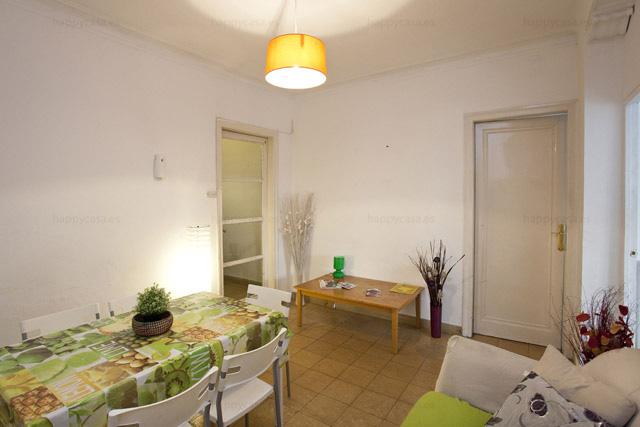 Barcelona habitación en apartemento jovenes con salón cómodo