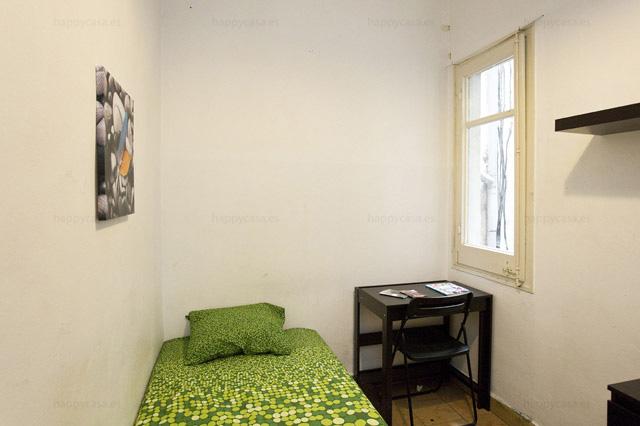 Grácia habitación alquilar Barcelona cama armario Lesseps ALT