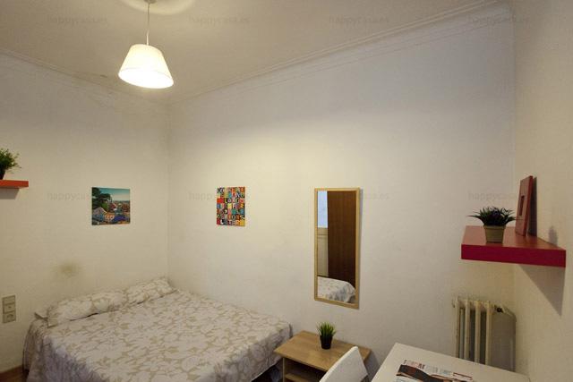 Alquiler de habitación en Barcelona con cama doble