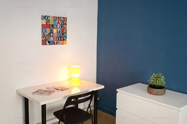 Lloguer habitación Barcelona cama doble luminosa metro Lesseps