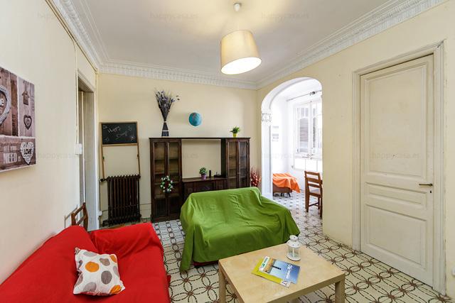 Amplio salón con WIFI alquiler piso compartido Barcelona