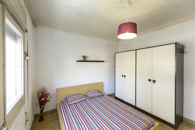 Sunny room in shared flats Barcelona ALT