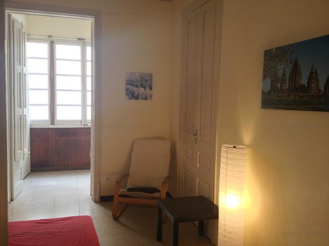 Habitación grande con galeria soleada Plaza Universidad Barcelona